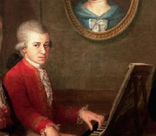 Mozartleopoldmariaannaplayingpiano6